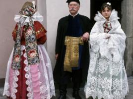 Stroje żywieckie, fot. St. Gadomski. Ze zbiorów Muzeum Miejskiego w Tychach, www.strojeludowe.net